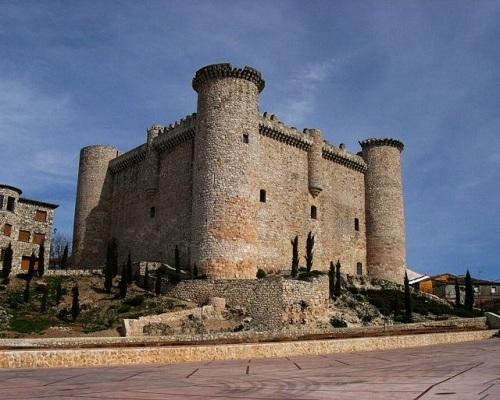 Disfruta del encanto del Castillo de Torija