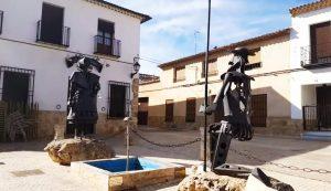 escultura-metal-don-quijote-y-ducinea